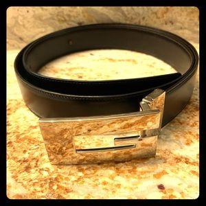GUCCI black leather belt UNISEX size 105/42